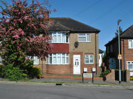 2 bed Maisonette to rent in Aberdale Gardens...