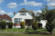 3 bed Detached property in Brackendale, Potters Bar...