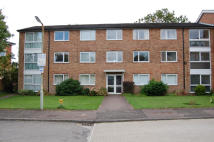 Flat to rent in STAPLETON CLOSE...