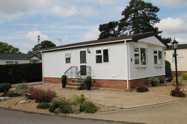 2 Bedroom Mobile Home For Sale In The Ridings Willows Riverside