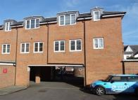 1 bed Flat to rent in 1 Fosseway Court...
