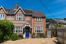 3 bedroom semi detached property to rent in Manor Farm Road...