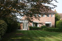 4 bed Detached home to rent in New Road, Keyhaven...