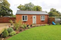 1 bed Detached Bungalow to rent in Upper Basildon