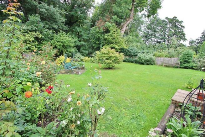 Gardens 5.JPG