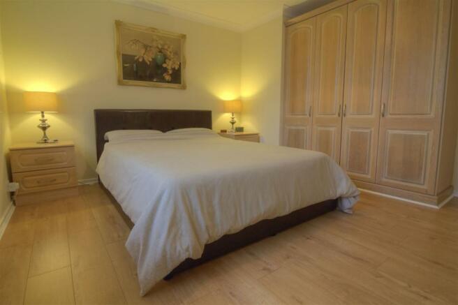 10. Main Bedroom.jpg