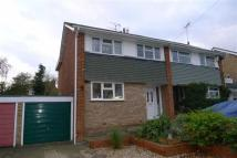 3 bed semi detached house to rent in Herbert Road, Rainham...