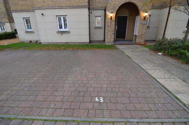 parking space to front