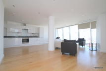 3 bed Apartment to rent in Halo Stratford, Stratford