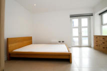 2 bed Apartment to rent in Hawgood Street, Bow