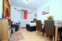 2 bed Flat to rent in Wellington Building, Bow