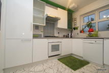 3 bed property in Abbotts Road, Poplar