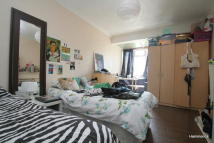 4 bedroom Flat to rent in Bantry House, Mile End
