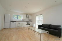 Apartment to rent in Hawgood Street, Bow