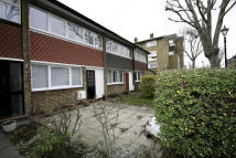 2 bedroom semi detached house in Alfred Street, Bow...