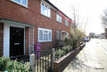 3 bed semi detached house in St. Leonards Street, Bow...
