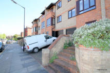 4 bed Town House to rent in Saunders Ness Road, Bow...