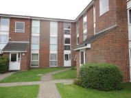 Flat in Clyfton Close, Wormley...