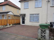 End of Terrace property to rent in River Avenue, Hoddesdon...