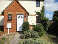 1 bedroom End of Terrace property in HOLLYBUSH WAY...