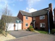 5 bed Detached house in Chapmans Drive...