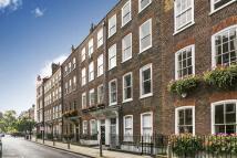 4 bedroom property in Great James Street...