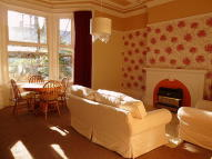 1 bed Flat to rent in Thornhill Gardens...
