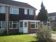 semi detached house to rent in Goldsmith Drive...