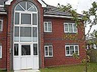 2 bedroom Ground Flat in Phaeton Close, Atherton...