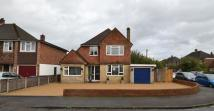 4 bed Detached property in Walton-On-Thames, Surrey
