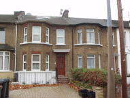 2 bed Ground Flat in Wallwood Road, London...