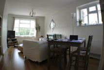 2 bedroom Flat in Mornington Road, London...