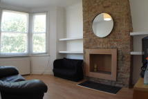 3 bed Flat to rent in Kings Road, London, E11
