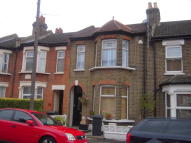 Flat in ASHVILLE ROAD, London...