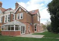 3 bed semi detached house to rent in Manor Way...