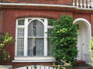 Studio apartment to rent in WANDSWORTH BRIDGE ROAD...