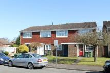 2 bedroom property to rent in Mayfield Close, Hersham...