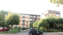 2 bed Flat in River Mead House...