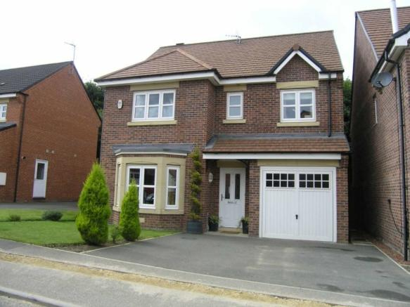 4 Bedroom Detached House For Sale In Youens Crescent Newton Aycliffe Dl5