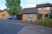 2 bedroom Semi-Detached Bungalow in Peacocks, Great Shelford...