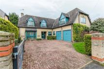 Detached house in Clay Close Lane...