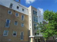 Flat to rent in Warren Close, Cambridge