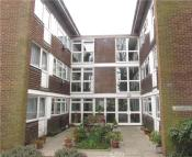 Flat to rent in Kensington Court...