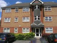 Flat to rent in Blackthorn Close...