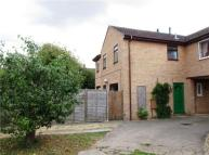 2 bedroom house to rent in Melvin Way HISTON