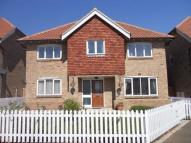 Detached home in Maypole Close, Hawkinge...