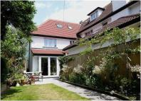 4 bed semi detached house in Stunning home in...