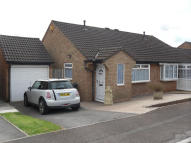2 bed Semi-Detached Bungalow in Cheshire Close, BS37