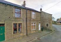 Terraced home in Haw Grove...
