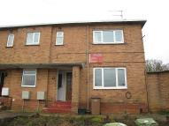Ground Flat to rent in West Close, Walton...